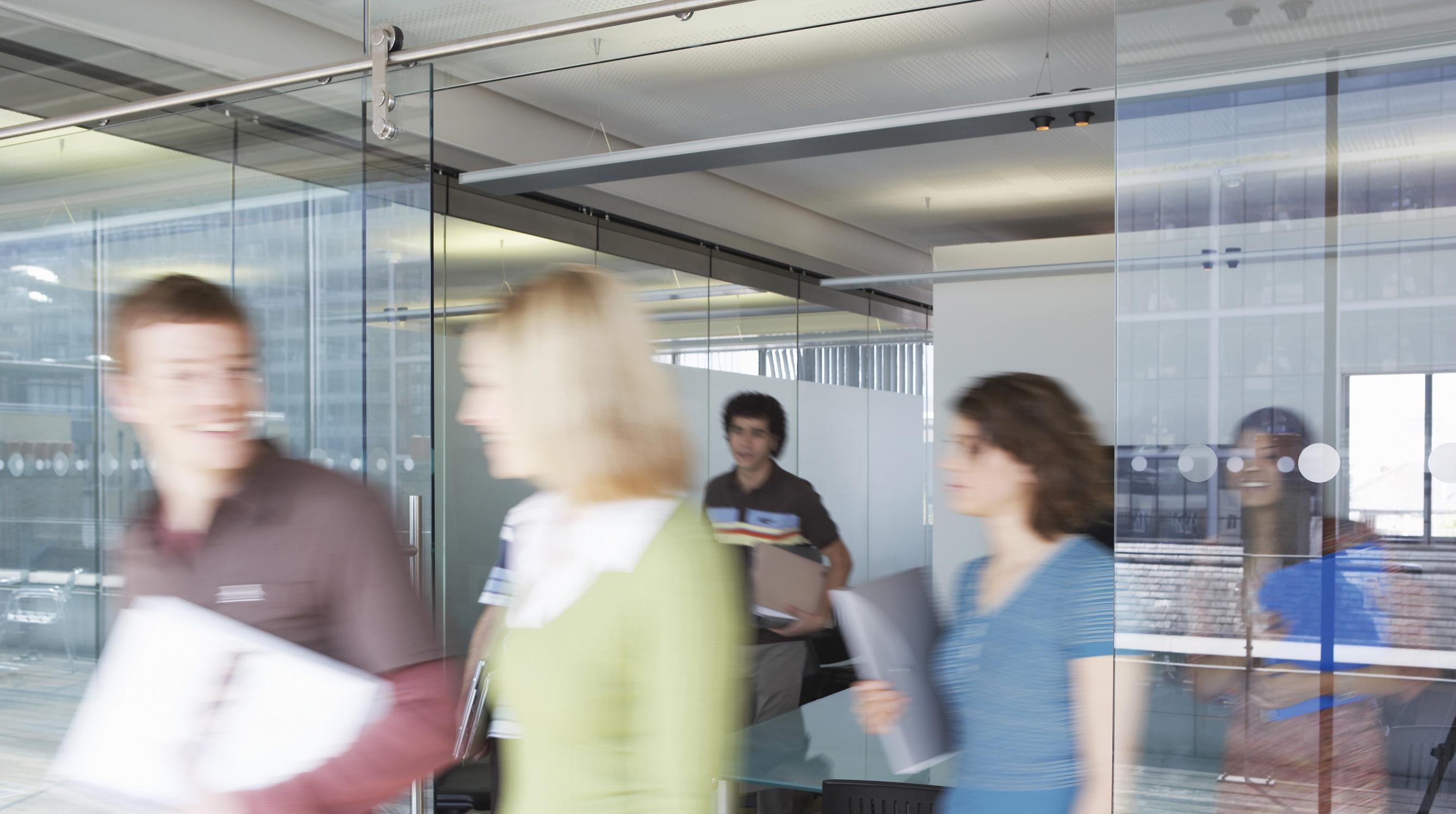 meeting-depart-145570321.jpg